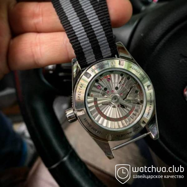 Omega Seamaster 300 Spectre Limited Edition вид 2