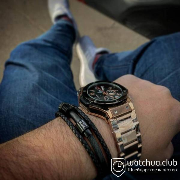 Hublot Big Bang black carbon dial gold bracelet вид 2