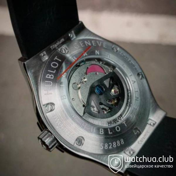 Hublot Classic Fusion steel black carbon вид 3